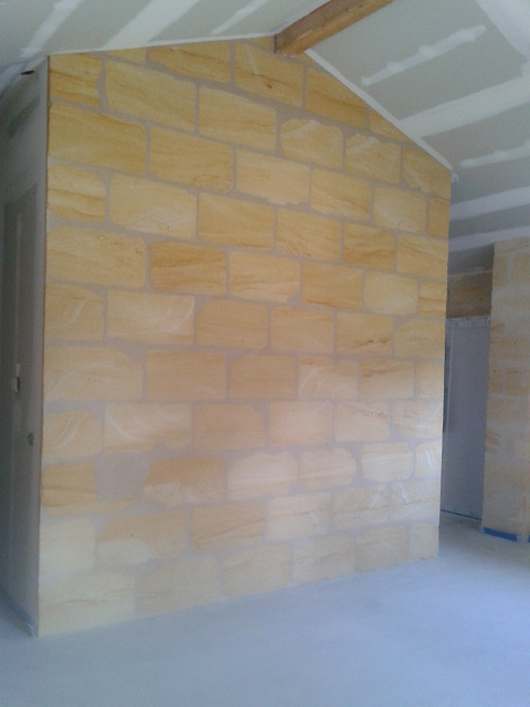 placage mur pierre 2. Black Bedroom Furniture Sets. Home Design Ideas